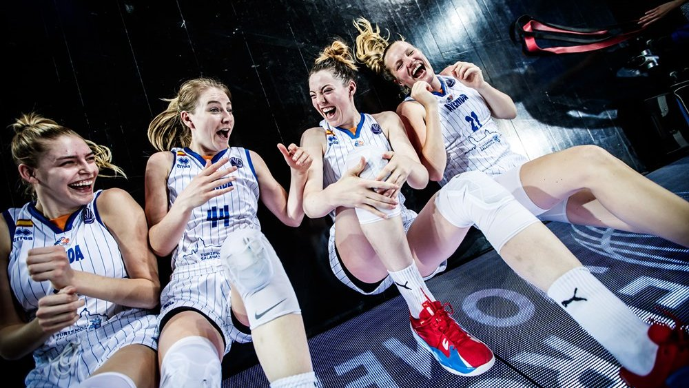 16042021 EuroLeague Women blijdschap.jpg
