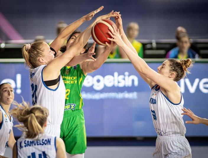 16042021 EuroLeague Women defense.jpg