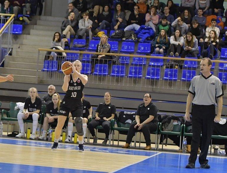 2020_FIBA EuroCup Women_Van Slooten.jpg