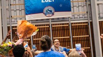 20210527- Kampioenswedstrijd ZZ Leiden - Den Bosch -60-Logo.jpg