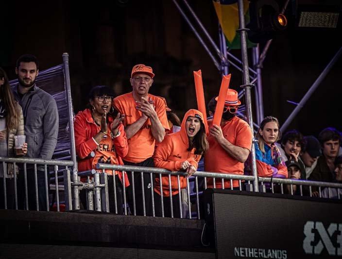 27052021 3x3 OKT Orange Lions fans.jpg