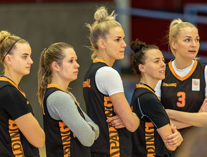 2021 Orange Lions vrouwen bubbel line-up