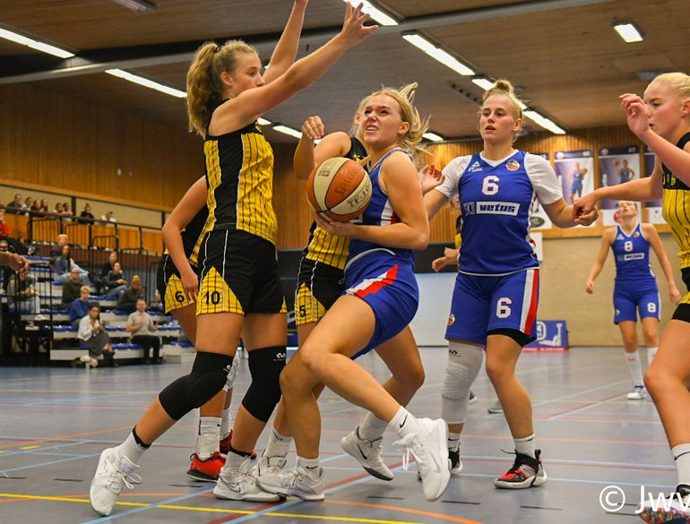 Basketball Cup VU20 Grasshoppers.jpeg