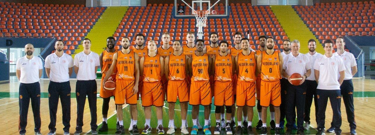 Teamfoto NL Team 2020.jpg