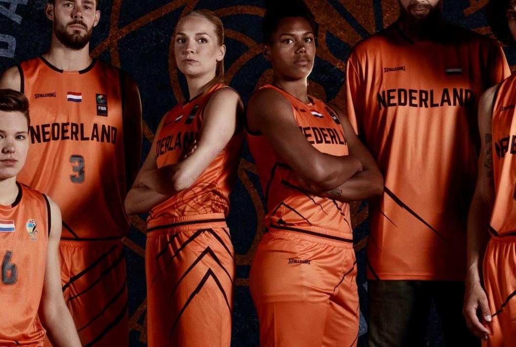 2019_Basketball Nederland_Orange Lions_fotoshoot_groep_logo