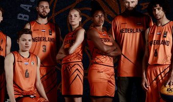 2019_Basketball Nederland_Orange Lions_fotoshoot_groep_logo